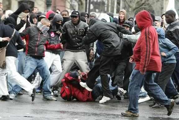 Bürgerkrieg-Mannheim-Neger-Straßenschlacht