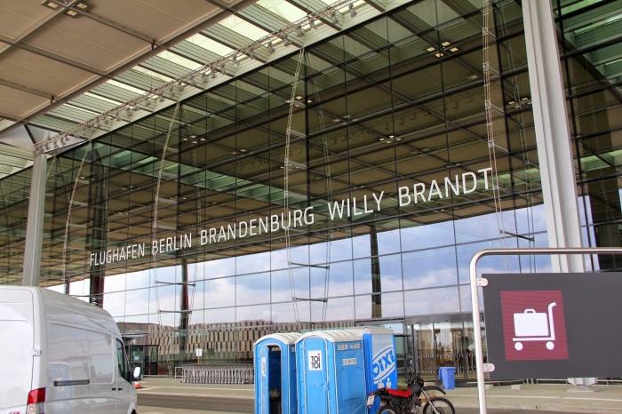 Flughafen_Willy_Brandt_Schnefeld_Eingang
